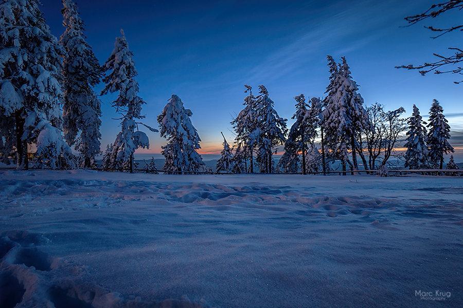 Blaue Stunde auf den dem Berg