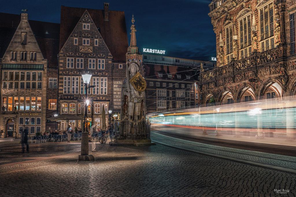 Marktplatz-Bremen-Bahn.jpg